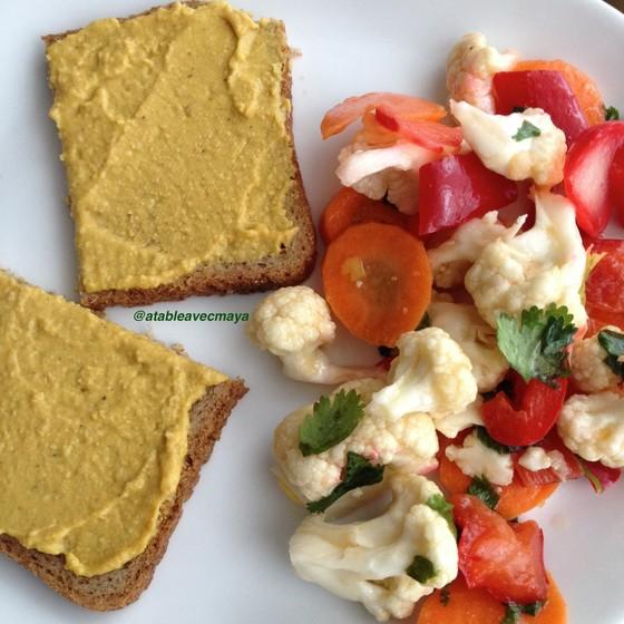 1. assiette avec pain