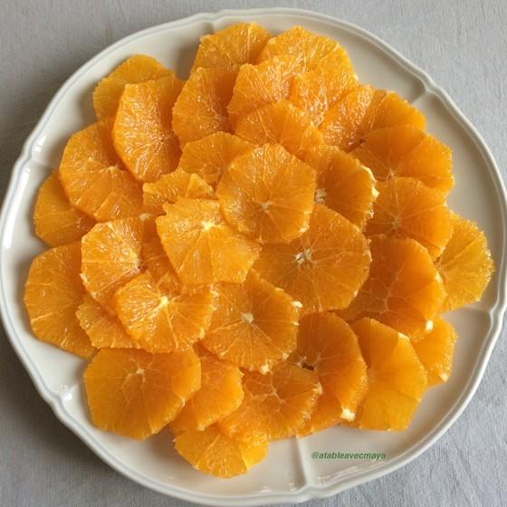 4. assiette d'oranges coupées