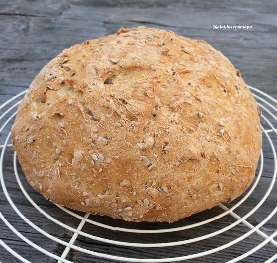 10. pain à la cocotte - on laisse refroidir sur une grille