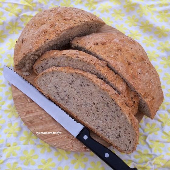 11. pain à la cocotte - on coupe le pain