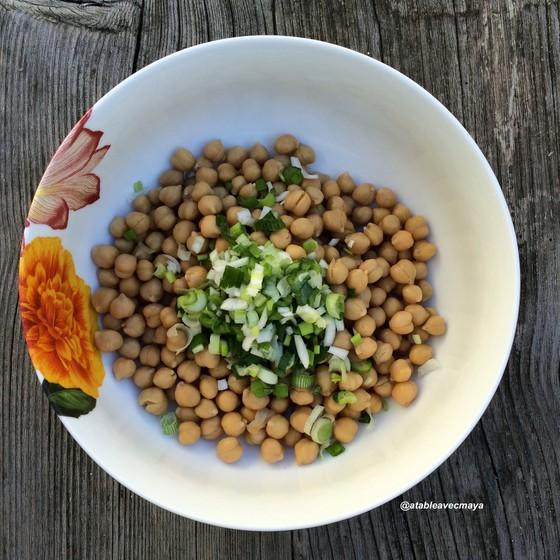 2-salade-pois-chiches-pois-et-oignon