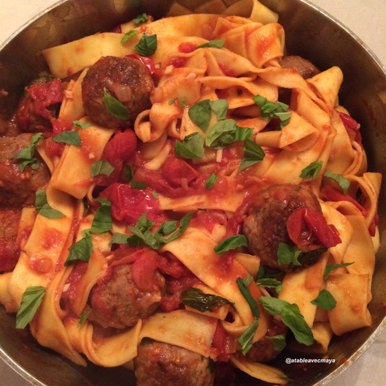 Sauce tomate et boulettes de viande